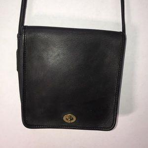 Nice Vintage Coach Crossbody Bag